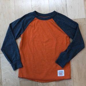 Kids GAP t-shirt size 6-7